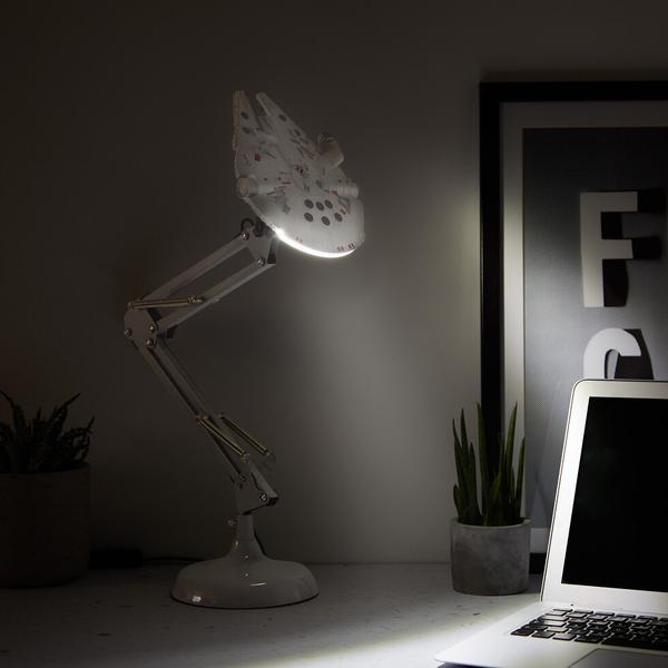 Lámpara de escritorio Millennium Falcon